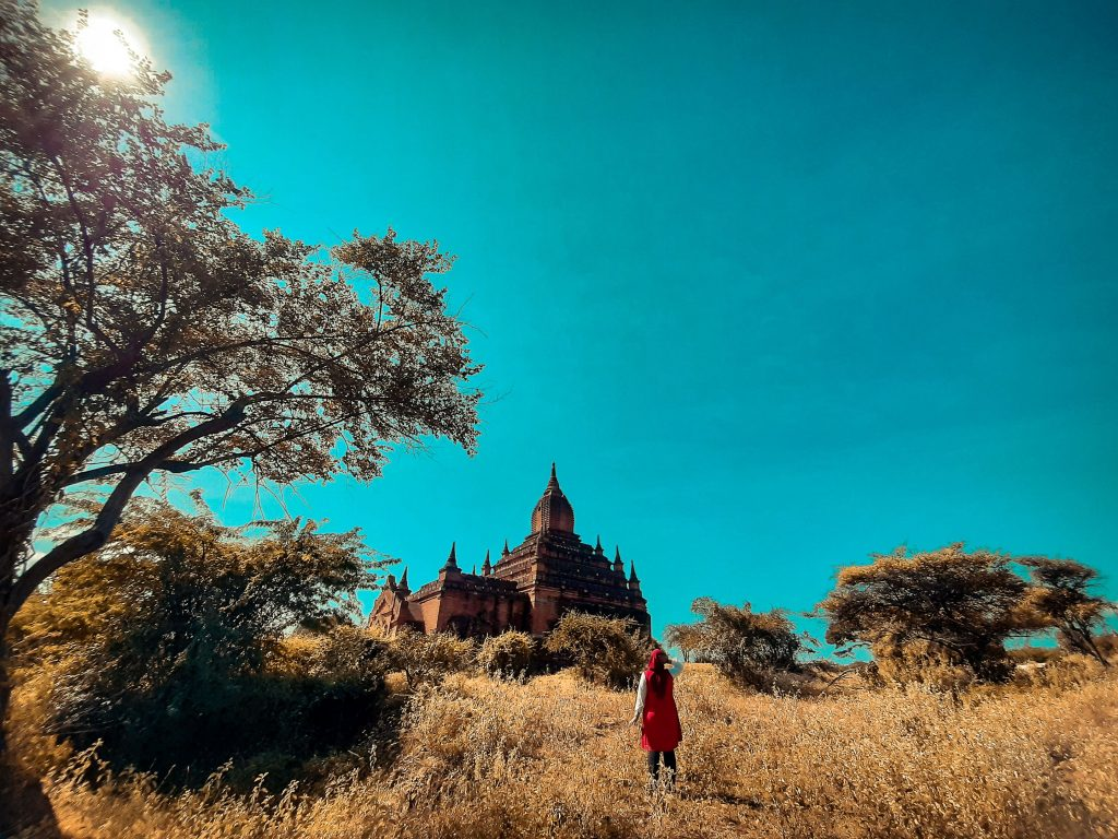 Painting world in Bagan